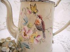 画像3: 小鳥と蝶お花柄のホーローポット (3)