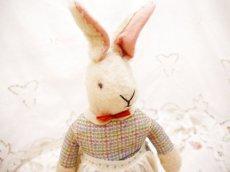 画像3: チェック柄ドレス ウサギぬいぐるみ (3)
