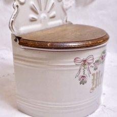 画像9: ホーロー 薔薇とリボン柄 小麦粉缶 (9)