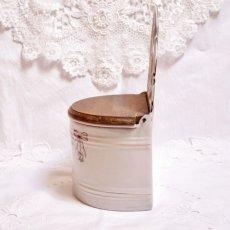 画像2: ホーロー 薔薇とリボン柄 小麦粉缶 (2)