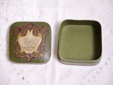 画像5: 古い紙製グリーンのパウダーケース violette (5)