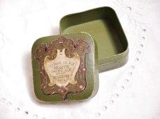 画像6: 古い紙製グリーンのパウダーケース violette (6)