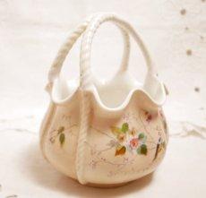 画像5: 花と小鳥柄 カゴ型ピンク陶器の器 (5)