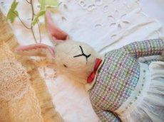 画像1: チェック柄ドレス ウサギぬいぐるみ (1)