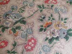 画像5: 丸型 花とツタ模様カルトナージュBOX (5)