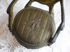 画像8: ブロンズ製椅子型アクセサリーケース (8)