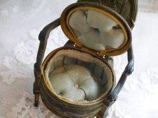 画像7: ブロンズ製椅子型アクセサリーケース (7)