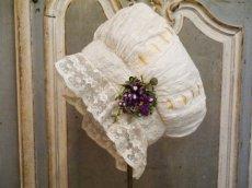 画像2: シルクリボンワークの花付き大人サイズのボネ (2)