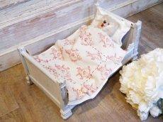 画像1: ライトグレーの木製ドール用ベッド (1)