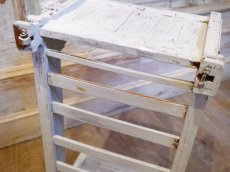 画像7: ライトグレーの木製ドール用ベッド (7)