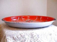 画像3: 赤ぼかし 薔薇とスミレ柄 楕円形ホーロートレイ (3)