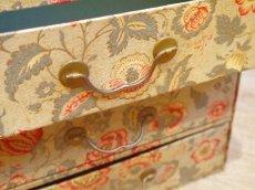 画像7: 花とツタ柄四段カルトナージュボックス (7)