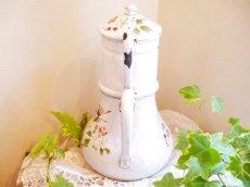 画像2: 花と小鳥柄ハンドペイントの白のポット (2)