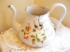 画像12: 花と小鳥柄ハンドペイントの白のポット (12)
