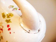 画像14: 花と小鳥柄ハンドペイントの白のポット (14)