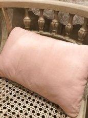 画像4: フレンチテキスタイル ピンク薔薇柄クッション (4)