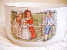 画像4: 子供と子犬柄 陶器のカップ (4)
