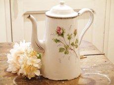 画像2: 通常価格¥29380→¥17028  *薔薇の蕾柄白いホーロポット (2)