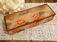 画像1: ベージュ系蓮の花柄カルトナージュBOX (1)