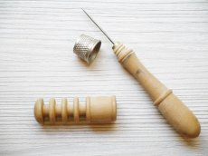 画像2: 木製 携帯用ニードルケース (2)