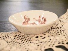 画像2: リュヴィネル 母親と子供たち絵柄 おままごと深皿 (2)
