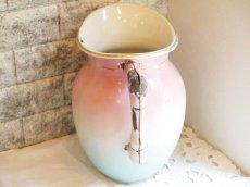 画像3: ピンクとブルーのぼかしお花柄大きめジャグ (3)