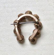 画像4: 馬蹄形のブローチ (4)