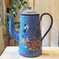 画像1: 小鳥や蝶 お花柄のブルーポット (1)