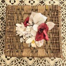 画像3: 布花付きカゴのソーイングBOX (3)
