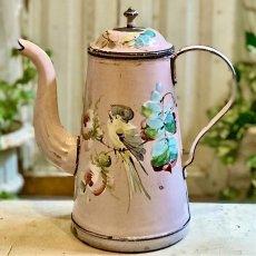 画像1: 小鳥と薔薇柄 淡いピンクのホーローポット (1)