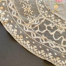 画像3: お花の色刺繍 ノルマンディーレースのドイリー (3)