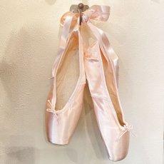 画像9: E.PORSELLI ピンクのサテン バレエシューズ (9)