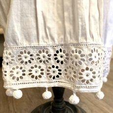 画像9: 花柄カットワークレースのベビードレス (9)