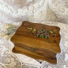 画像1: モシュリンヌ スミレとミモザ柄 木箱 ケース (1)