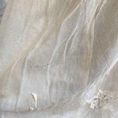 画像9: エクリュ色の繊細なチャイルドチュールドレス (9)
