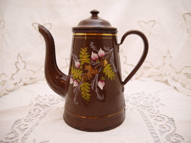 画像1: 茶色ベリー柄ホーローポットa (1)