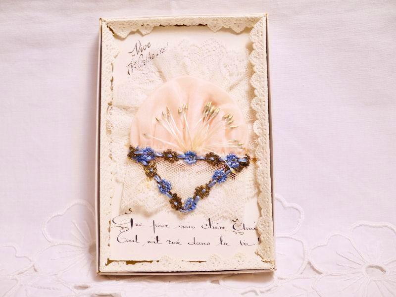 画像1: ロココリボン付きピンクのボネカード オリジナルBOX付き (1)