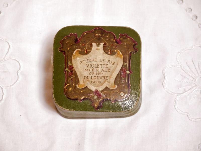 画像1: 古い紙製グリーンのパウダーケース violette (1)