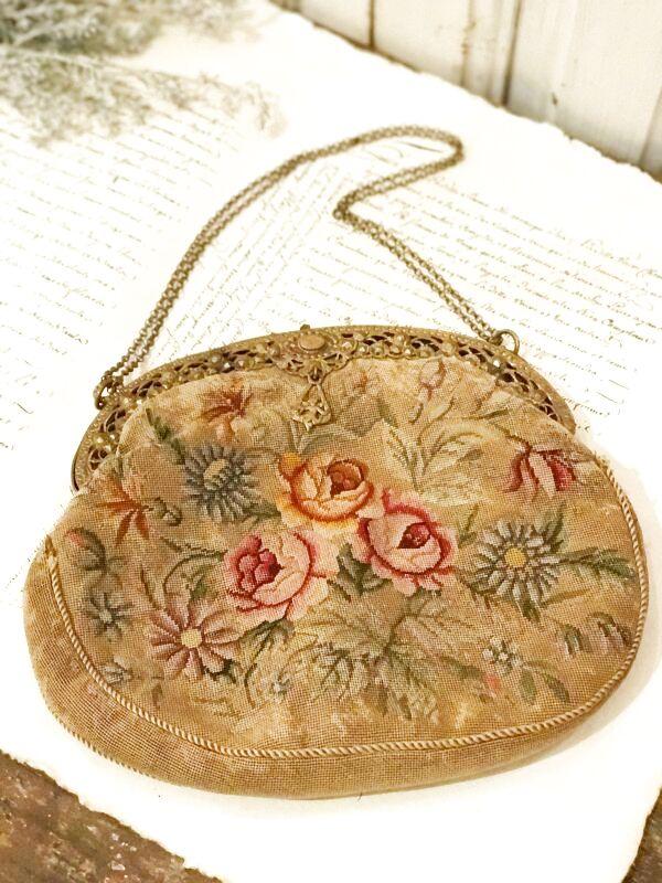 画像1: 花モチーフ 天使の飾りつきプチポワンバッグ (1)