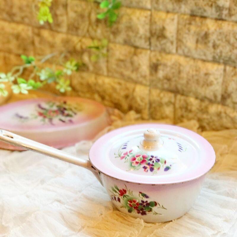 画像1: DOULIN et DELANGRE社ピンクぼかし 花柄 蓋つき片手鍋 (1)
