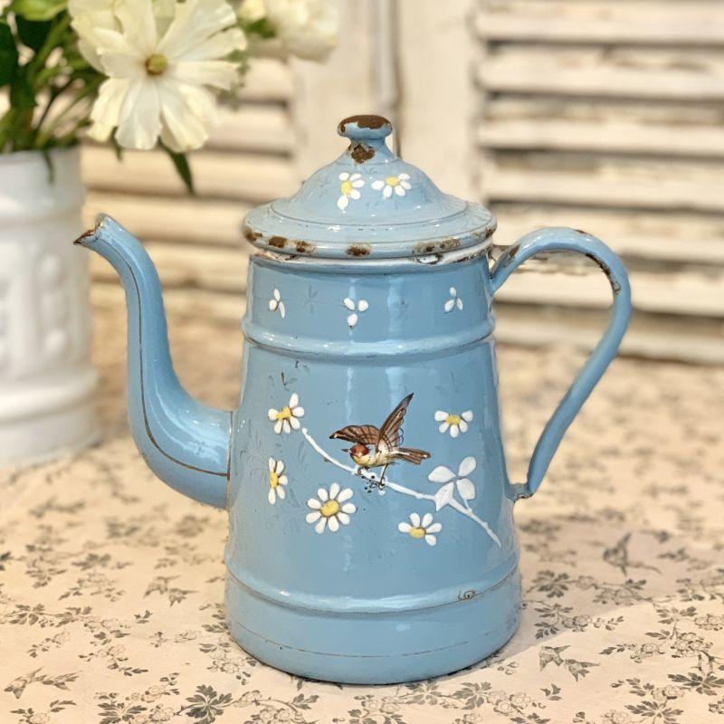 画像1: 小鳥と蝶々と小花の小さめ水色ホーローポット (1)